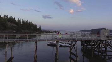un molo nel Maine al crepuscolo 1