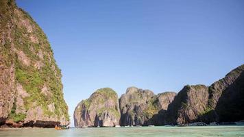 Thailand Phuket berühmte Phi Phi Don Insel Strand Touristenboot 4k Zeitraffer video