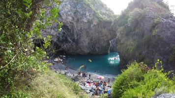 san nicola arcella, playa y rocas arco magno, sur de italia, calabria, cosenza, tiempo real, 4k