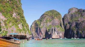 Thailand Phi Phi Don berühmten Film Strand Boot Park Panorama 4k Zeitraffer video