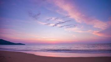 Thailand Phuket berühmte Insel Sonnenuntergang Himmel Strand Panorama 4k Zeitraffer video
