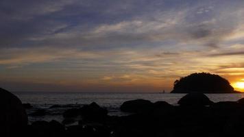 Thailandia phuket isola estate tramonto spiaggia panorama 4K video
