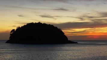 día de verano de tailandia phuket island panorama al atardecer 4k