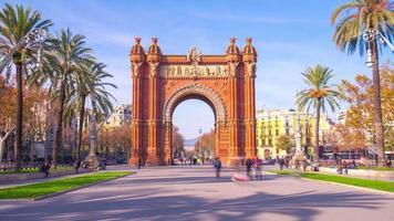 espanha luz do sol barcelona arco do triunfo caminhada panorama 4k time lapse