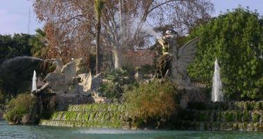 barcellona luce del sole parc de la ciutadella fontana 4k spagna