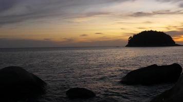 Thailandia estate tempo phuket isola spiaggia tramonto panorama 4K video