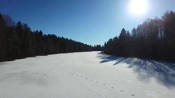 lago congelado de inverno video