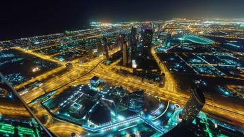 notte illuminazione dubai city downtown roof top panorama 4k lasso di tempo Emirati Arabi Uniti