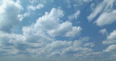 4k, cielo azul y nubes.okinawa, senaga-jima