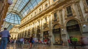 italia italia milano città famosa galleria vittorio emanuele affollato panorama 4k lasso di tempo