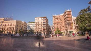 Spagna giornata di sole valencia cattedrale piazza panorama 4k lasso di tempo