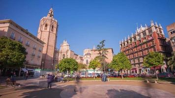 Spagna sole luce cattedrale piazza panorama 4K lasso di tempo