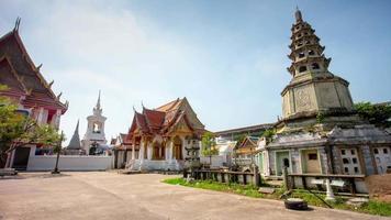 dia ensolarado da Tailândia famoso panorama da praça do templo de Banguecoque 4k lapso de tempo Banguecoque