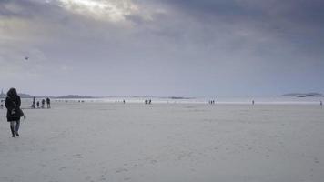 vista de st-malo na frança brittany inverno video