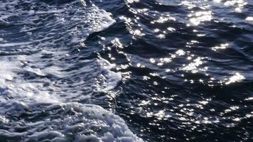 close-up de uma esteira no oceano