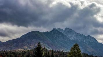 Zeitraffer der Berglandschaft