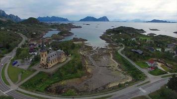 vista aérea da catedral de lofoten na noruega video