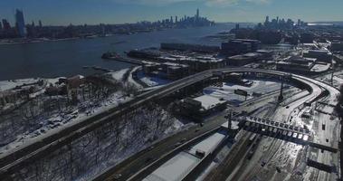 neve di weehawken 2016 lento cavalcavia dell'autostrada che visualizza edifici in cima alla neve video