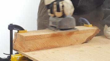 ponceuse à bande sur bois