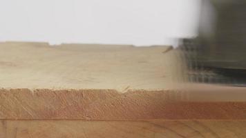 levigatrice a nastro su legno