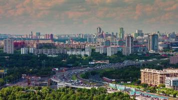Russia giornata di sole Mosca Cremlino traffico baia panorama 4K lasso di tempo