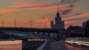 Russia Mosca fiume a piedi baia sette sorelle panorama tramonto 4K lasso di tempo video