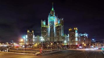 Russia notte luce famosa mosca sette sorelle edificio 4k lasso di tempo
