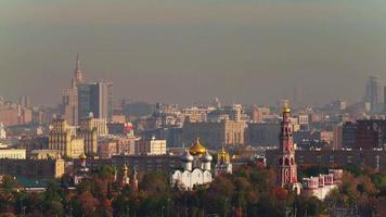 Russia giornata di sole Mosca città tetto panorama superiore 4K lasso di tempo video