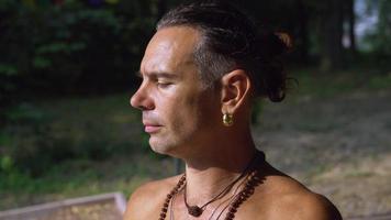 ioga facial que pensa