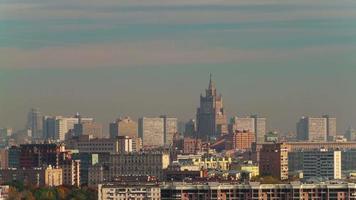 Russia Mosca giornata di sole tramonto città luce tetto panorama superiore 4K lasso di tempo video