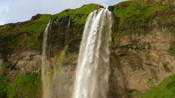 Cascada de Seljalandsfoss en Islandia video