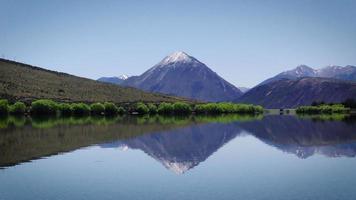 Nueva Zelanda, paisaje, montaña, hermoso, azul, cielo, naturaleza, montañas, ver, nubes, césped, verde, paisaje, soleado, colina, verano, viajar, nieve, primavera, belleza, flores, amarillo, pico, puro, prístina, perfección video