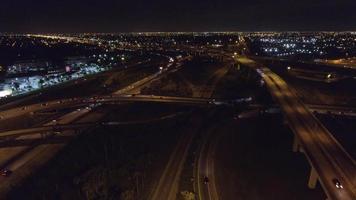 riprese aeree dello svincolo autostradale di golden glades nel nord di miami
