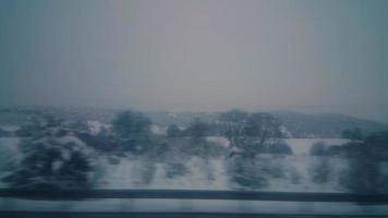 Winterstraße im Morgengrauen video