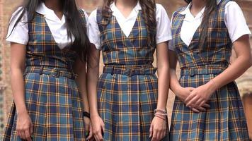 weibliche Uniformen oder Kleider