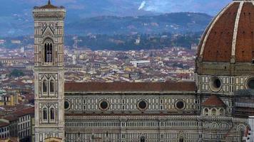 belas vistas de florença e da catedral de santa maria del fiore, florença, itália. video