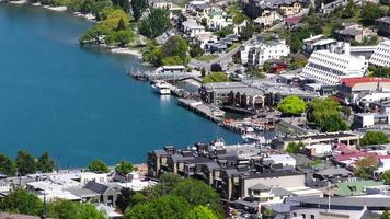 Queenstown, Nuova Zelanda, primo piano del porto. video