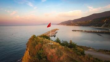 ruotando attorno alla bandiera turca
