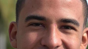 yeux mâles adultes hispaniques