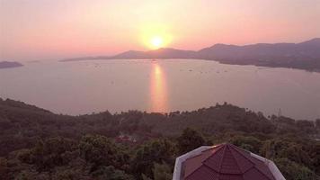 Luftaufnahme auf khao khad Aussichtspunkt phuket video