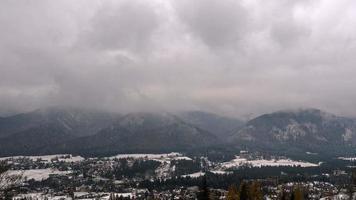 nubes sobre las montañas tatra