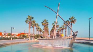 Spagna sole luce valencia spiaggia barca fontana 4k lasso di tempo