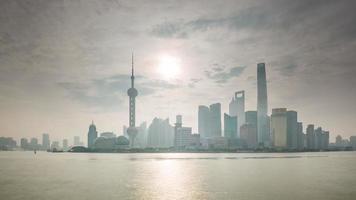 china xangai pôr do sol famoso rio baía tráfego paisagem urbana panorama 4k time lapse