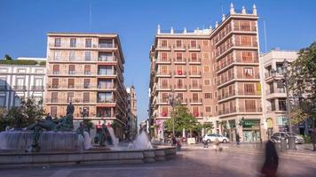 Spagna valencia cattedrale piazza sole luce fontana 4k lasso di tempo