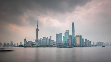 Cina giorno shanghai famoso centro fiume traffico baia panorama 4K lasso di tempo
