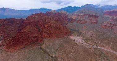 imagens aéreas do cânion de rocha vermelha em las vegas video