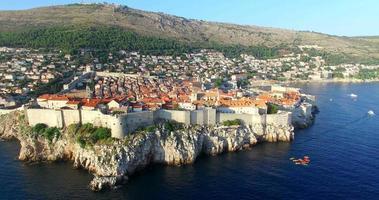 veduta aerea della storica città murata di dubrovnik video