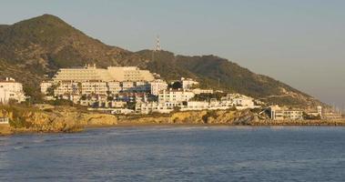 hotéis 4k espanha da costa de sitges ao pôr do sol video