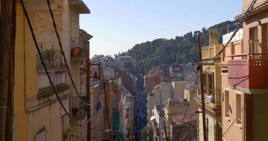 Barcelona ciudad día hora montaña calle tráfico 4k España
