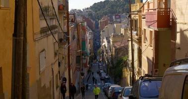 Barcelona Hill Street sonniges Tagesleben 4k Spanien